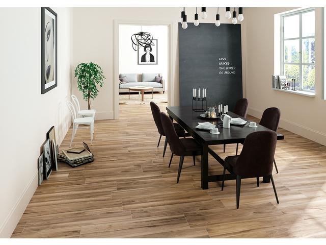 Reserve-pavimento-legno-nocciola-01.jpg